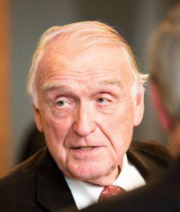 Karl-Kaiser-Profile