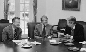 Zbigniew_Brzezinski,_Jimmy_Carter_and_Cyrus_Vance_-_NARA_-_175908