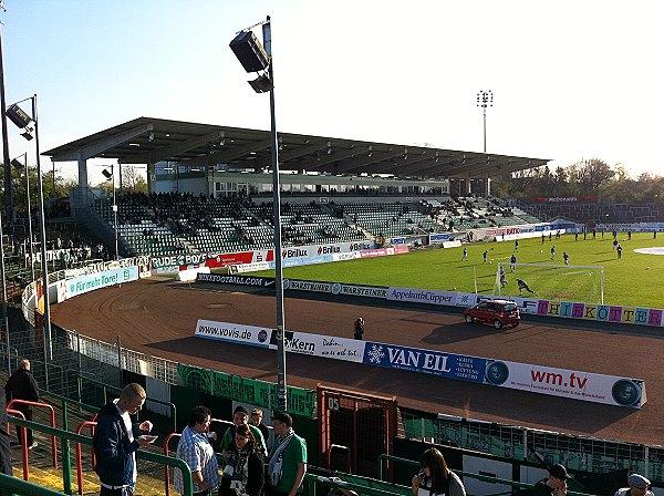 Aufnahmen der ausschreitungen im stadion. Preußen-Stadion - Stadion in Münster/Westfalen-Berg Fidel