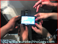 All hands reach for SONY's PSP at Tokyo Game Show TGS2004
