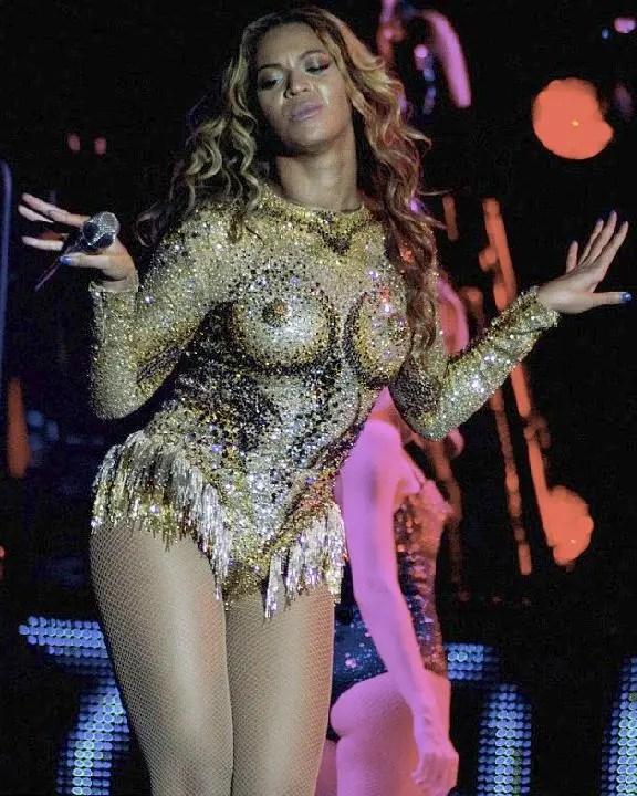 Beyonce S Boob 17