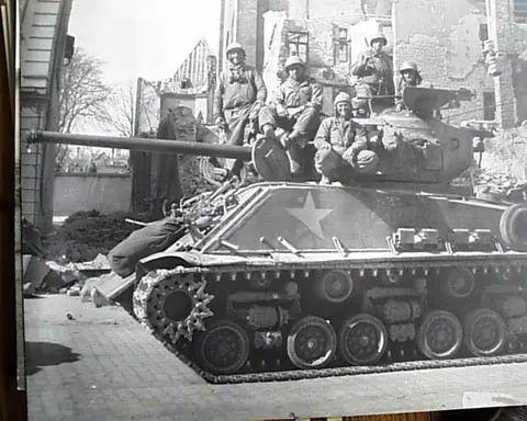 black tank soldiers