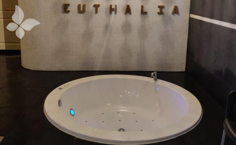 Euthalia Wellness Verzorging Jacuzzi Euthalia Verzorging & Wellness