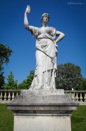 Photos of Junon, Reine du Ciel statue in Jardin Luxembourg ...
