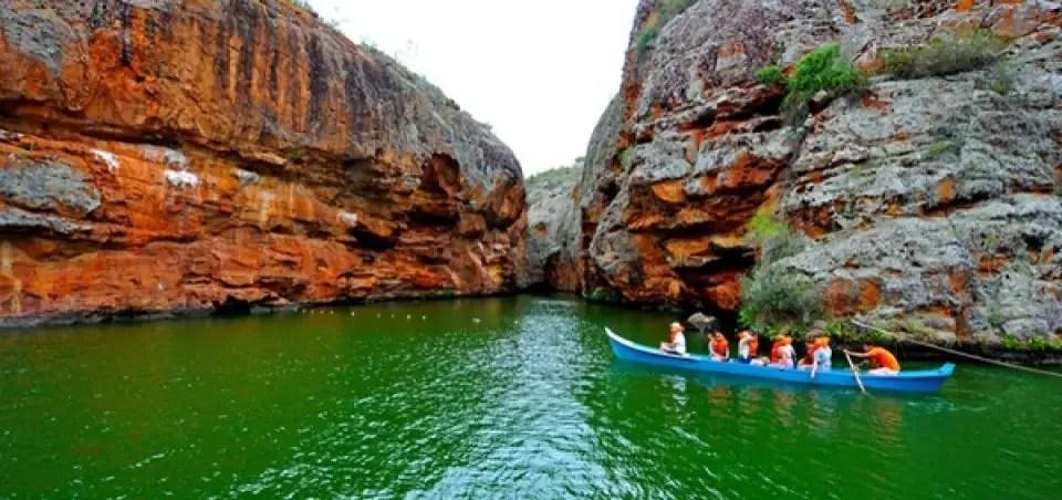 10-destinos-nacionais-para-visitar-quando-a-quarentena-acabar-canion-do-xingo-sesc-pe