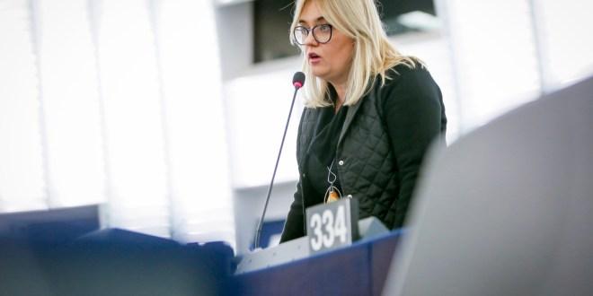 Thomas Cook-Insolvenz: EP fordert besseren Schutz für Kunden und Arbeitnehmer