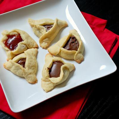 Hamentashen (Jewish filled triangle cookies)