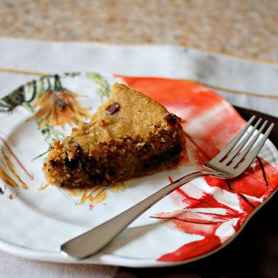 Healthy deep dish chocolate chip cookie pie