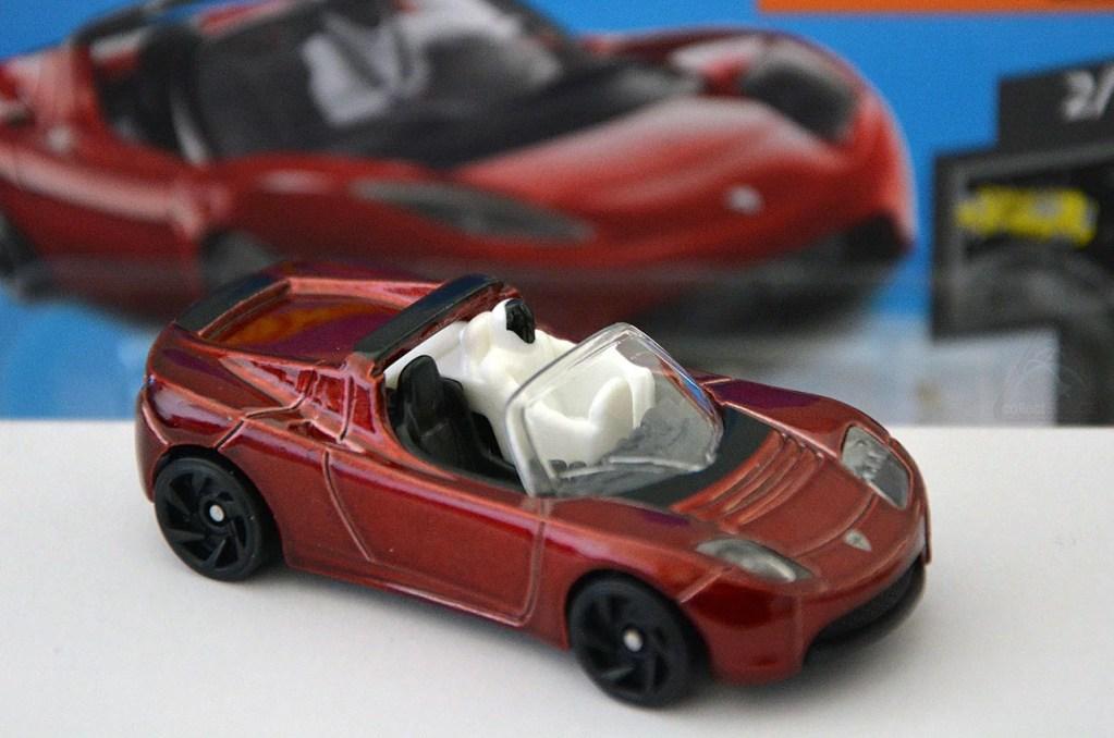 Hot Wheels Tesla Roadster Featuring Starman