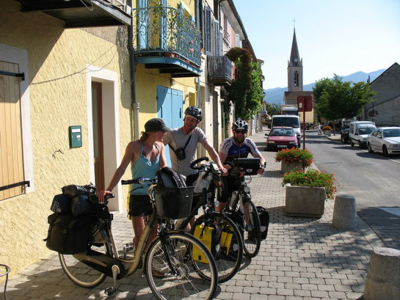 cycling-to-the-mediterranean-sea-on-my-grandmothers-bike