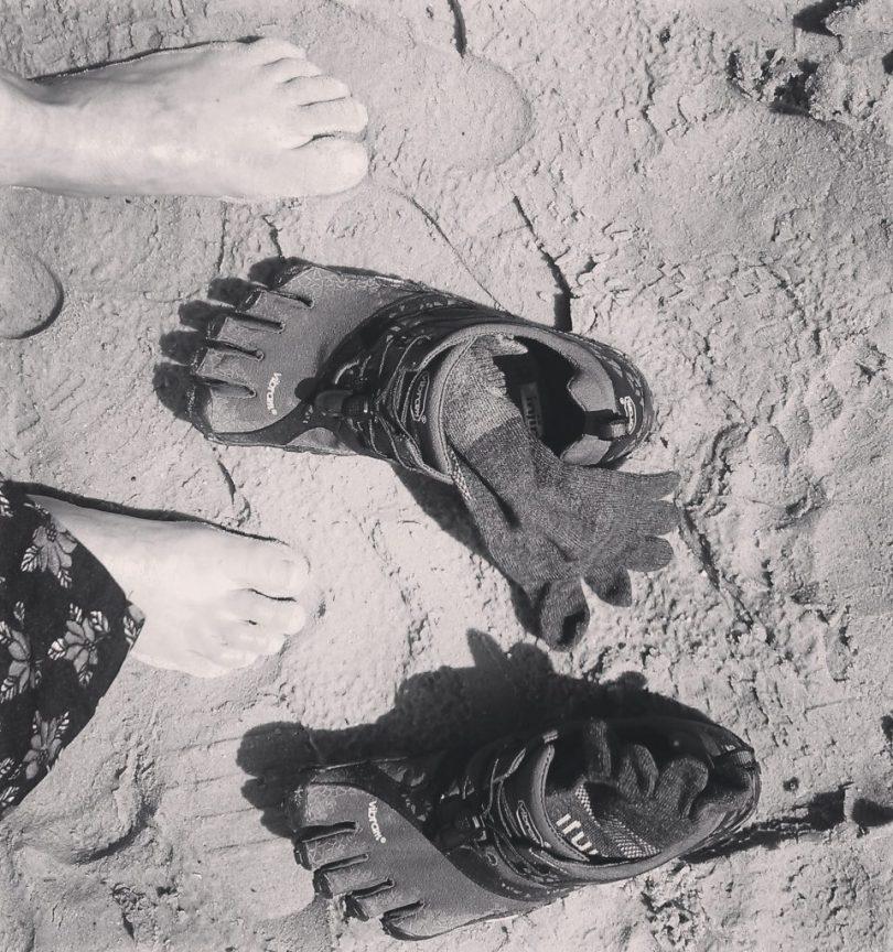 Vibram_Five_Fingers_Sand_Socks_and_Feet