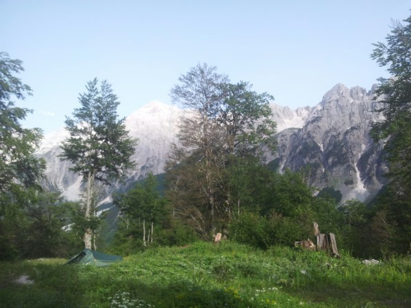 Via_Dinarica_White_Trail_kaffe_Simoni_Albania_bar