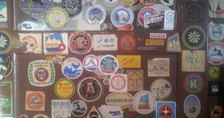 stickers-plakken-bergen-bewandelen