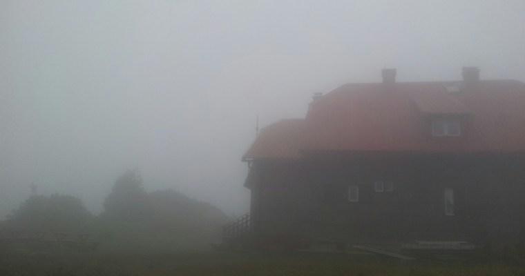 dom-schlosserhof-risnjak-in-de-wolken