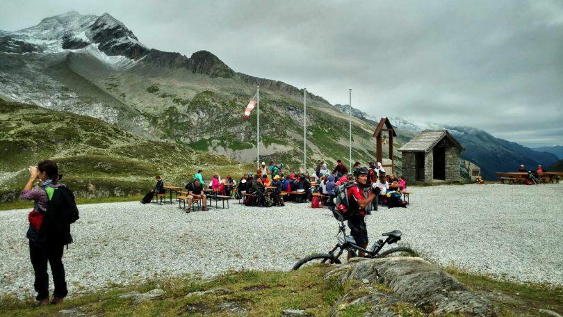 Mensen_bergliefhebbers_pfitscherjoch_hutte