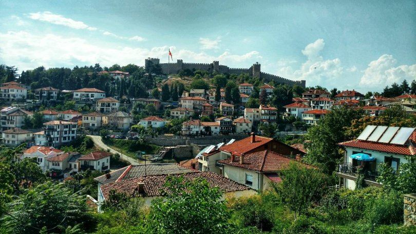 Sightseeing Ohrid | Castle up there