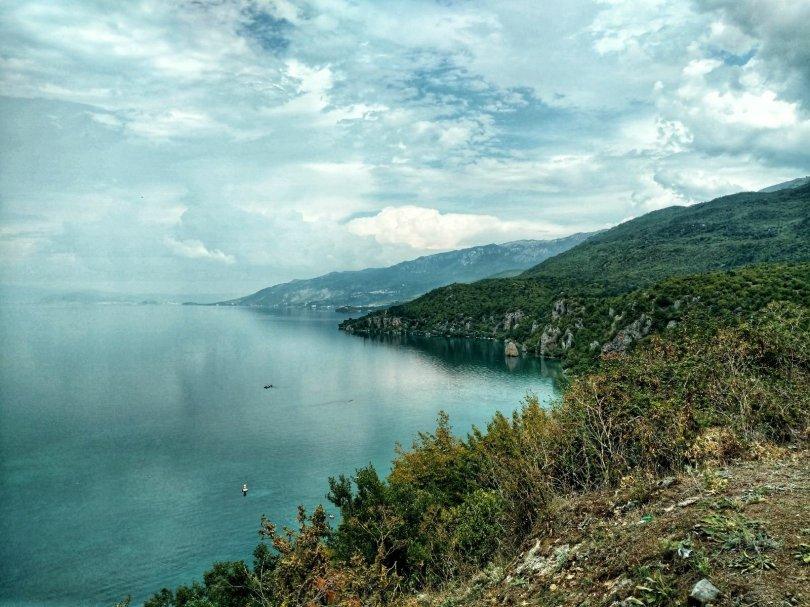 Sightseeing Ohrid   Walk along the lake