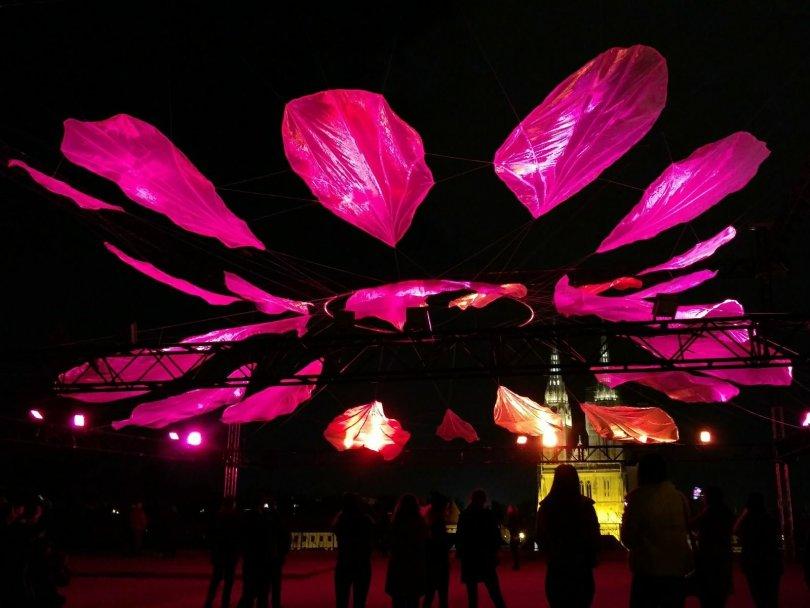 Zagreb full of Light | Voli me ne voli me / Plato Gradec