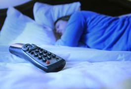 La luz de aparatos electrónicos interfiere con nuestros ciclos del sueño