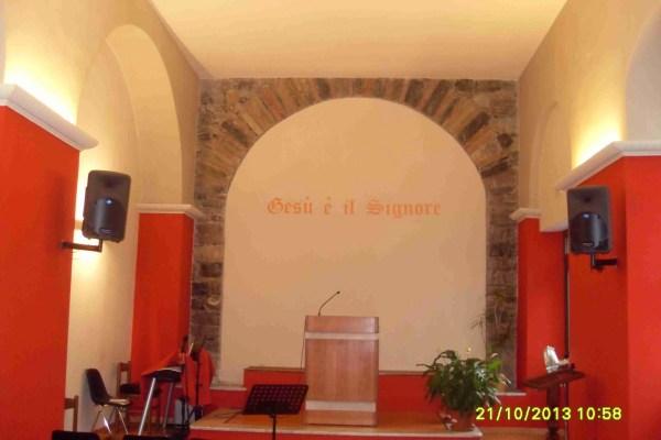 Interno della chiesa di La Spezia