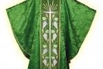 ¿ Sabias que...? La casulla forma parte de la vestimenta del sacerdote católico.