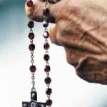 Oremos unidos a nuestro Padre, por nuestro hermano el Sr. Alexander Figueredo por su salud.