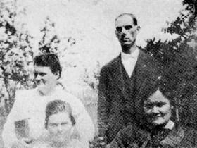 Sallie and Benjamin Shepherd (standing) with Ouida Hayslip and Elizabeth Gonia in 1921