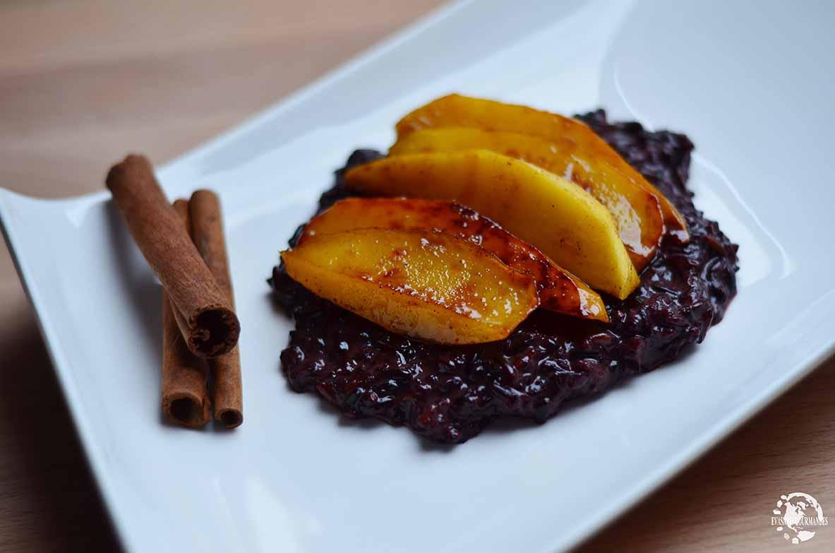 Riz gluant noir et mangues rôties