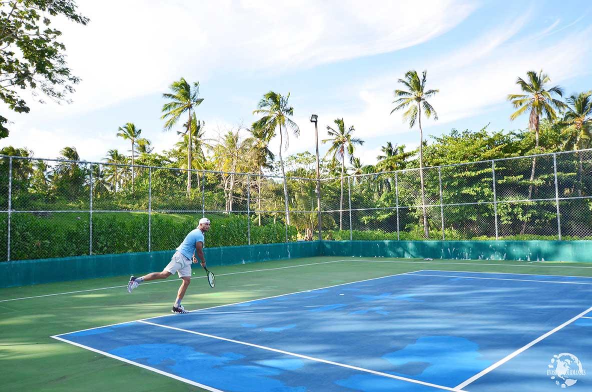 Tennis V Samana