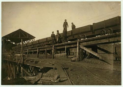 2_Enfants le long de rails miniers à Bessie, Alabama