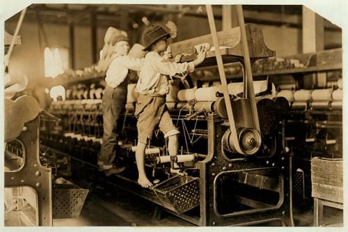 9_Garçons dans l'entreprise textile Bibb Mill