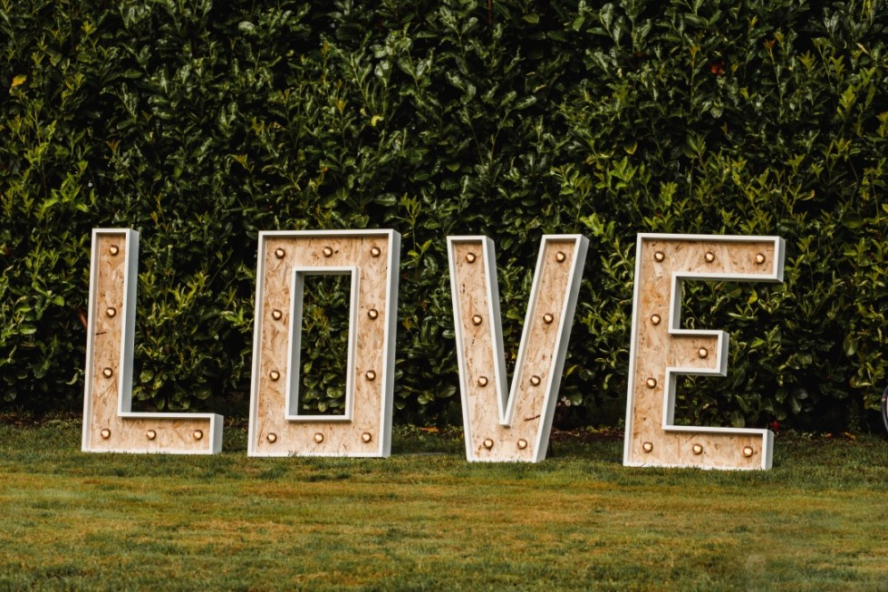 bruiloftaankleding-love