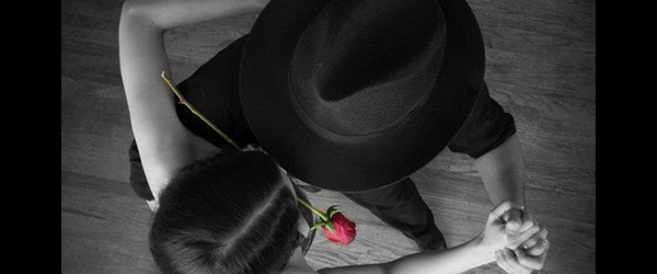 Cliches Tango - Rose dans la bouche