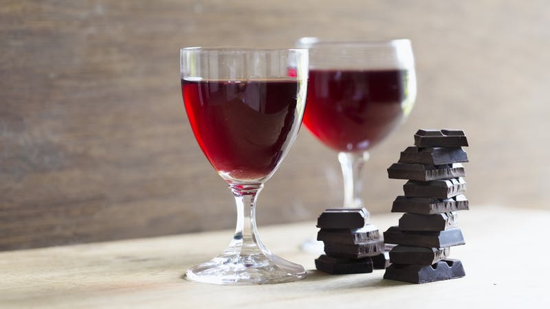 A chemical found in red wine and dark chocolate has been found to make old cells young again