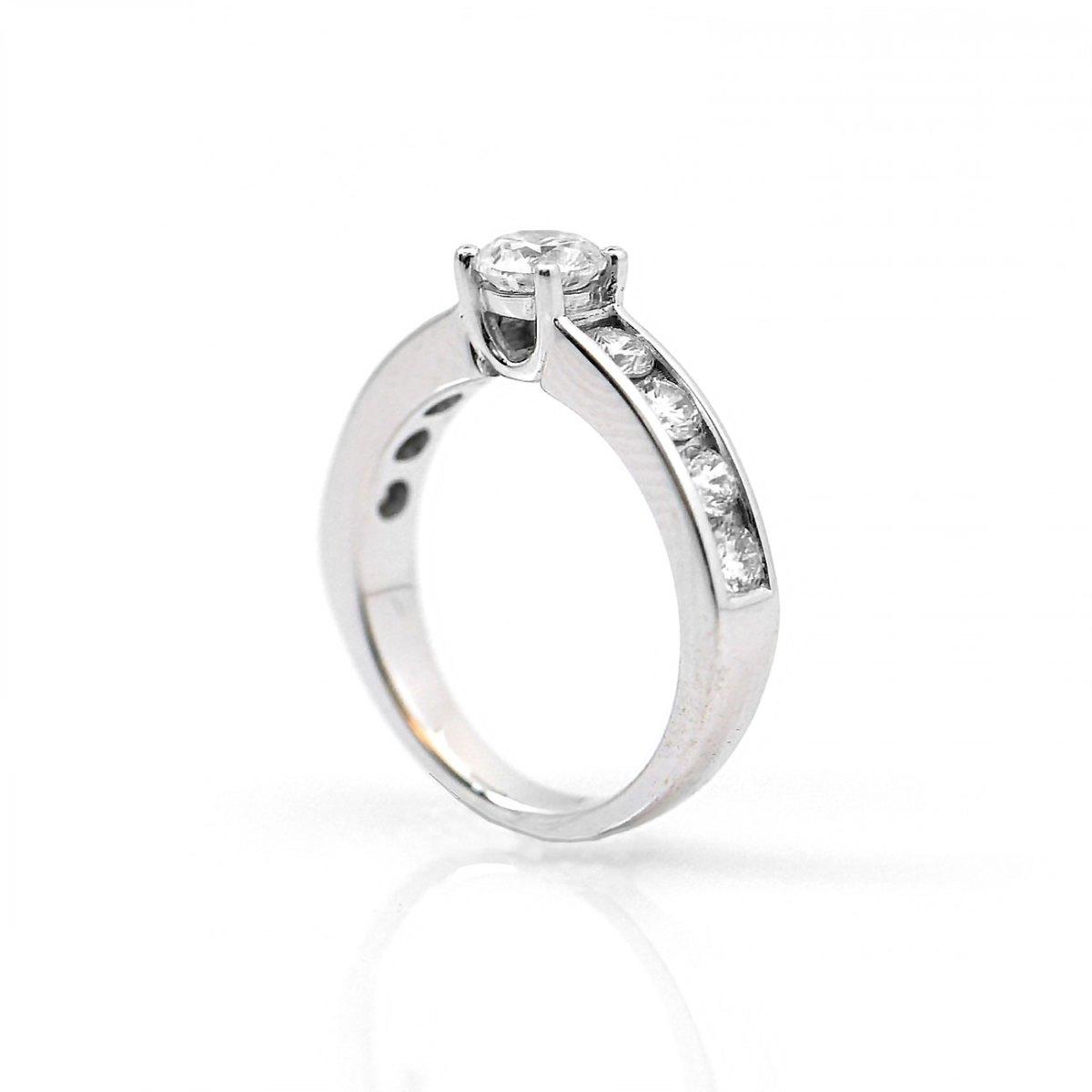 Bague diamants, brillant central 0,40 ct, 8 diamants 0,56 ct, or blanc, taille 46 | Réf. BA-B15557 | EVENOR Joaillerie • Bijoux neufs - Bijoux Vintage