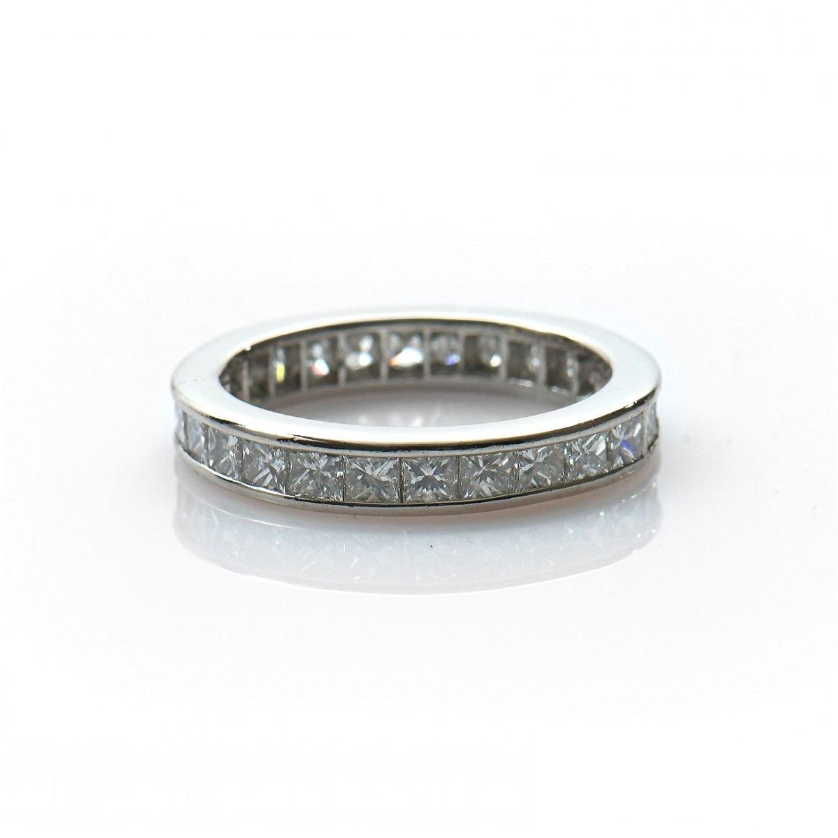 Alliance américaine diamants princesse 2,60ct, serti rail sur or blanc 750‰, taille 53, Réf. | EVENOR Joaillerie • Bijoux neufs & Vintage