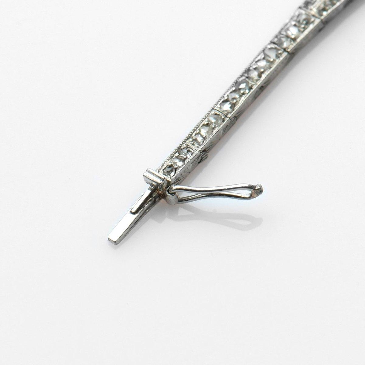 Bracelet platine perles et roses, long. 17,5 cm, poids 18.4 g | Réf. BR-B18887 | EVENOR Joaillerie • Bijoux neufs & Bijoux Vintage
