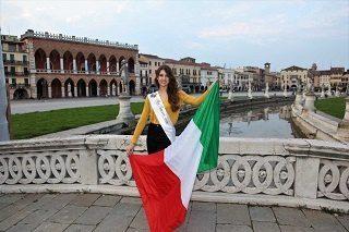 Selene Rossi in Prato della Valle a Padova