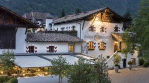 Natale tra la Val Venosta e Merano, la proposta di uno degli alberghi più affascinanti e antichi dell'Alto Adige