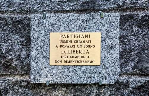 Prato Sesia, cippo ai caduti. Foto di Ernesto Vivoli