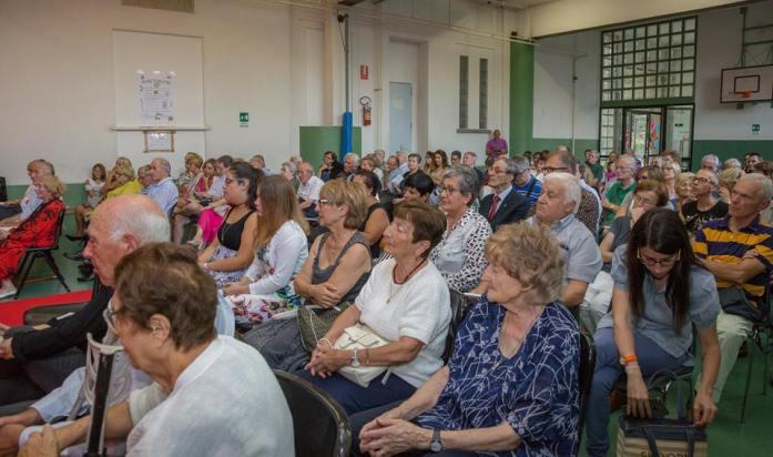 Pubbloco foto di Ernesto Vivoli