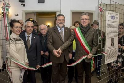 """Taglio nastro mostra Prato Sesia sui """"Savoia"""""""