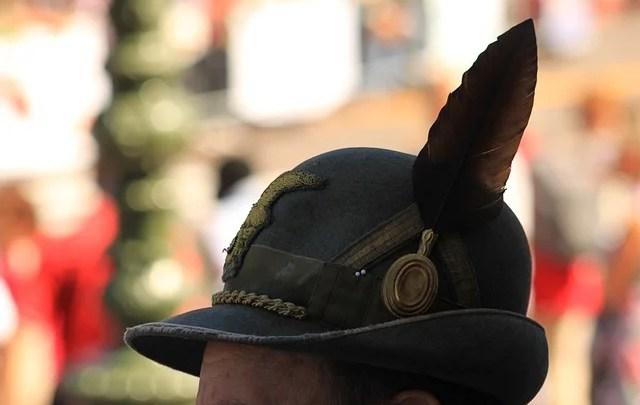 Cappello Apini credit Pixabay