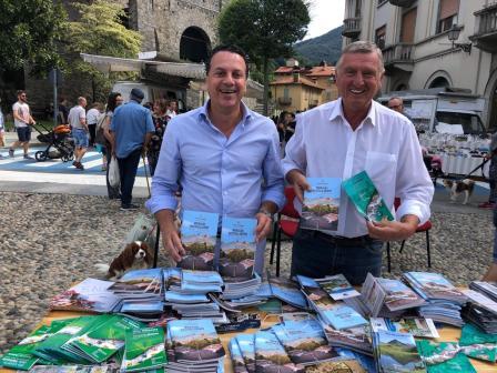 Sindaco e Amministratori di Varallo al mercato 1