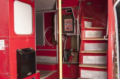 london-bus-koeln-doppeldecker-bus-rheinland-roter-bus-ruhrgebiet-event-mobil-fahrzeug-frechen-treppe
