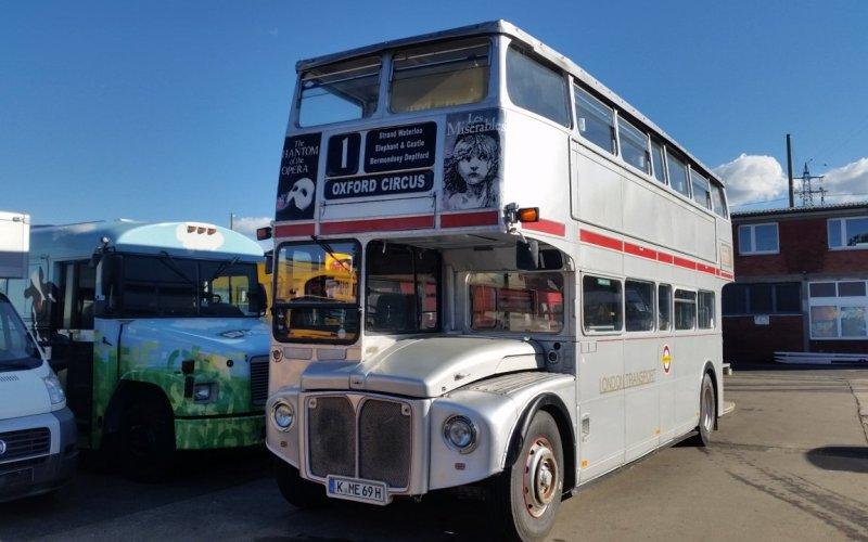 London Doppeldecker, Silverline. London Bus silber