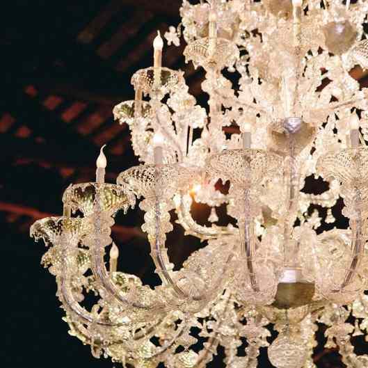 29-Granai-Hotel-Cipriano-chandelier-eventoile.com
