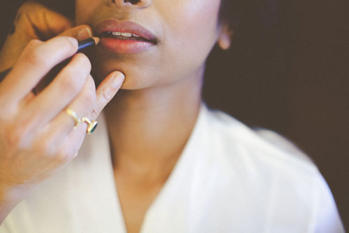 bride gets ready for wedding in St. Louis | Events Luxe Weddings