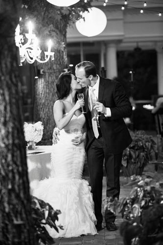 Bride & Groom kiss at old warson Country Club | St. Louis Weddings by Events Luxe