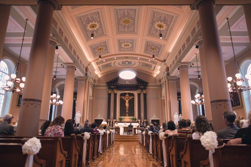Wedding party at the St. Louis Old Cathedral | St. Louis Weddings by Events Luxe